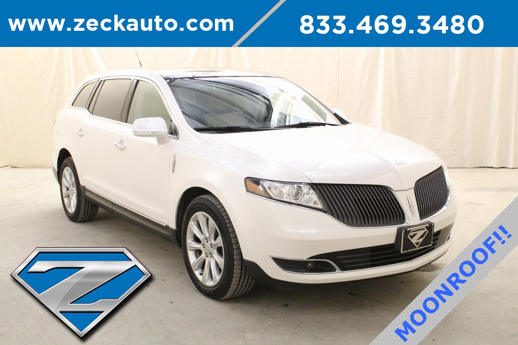 Pre-Owned 2016 Lincoln MKT Base